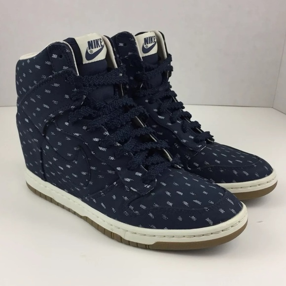best sneakers 2cbf2 97aff Select Size to Continue. M 5c3ff0d4951996a3520fbc72. 7.5